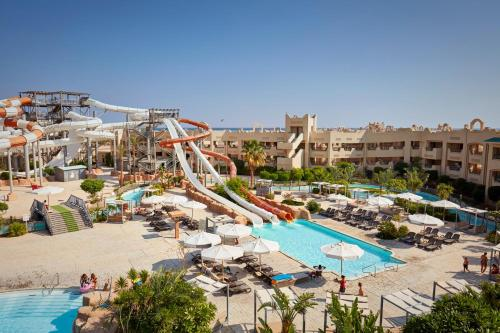 Вид на бассейн в Coral Sea Waterworld Sharm El Sheikh или окрестностях