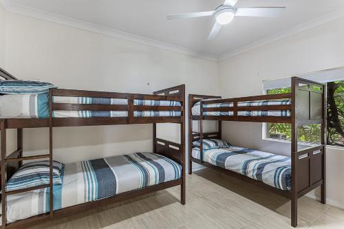 A bunk bed or bunk beds in a room at Randall Drive, 64