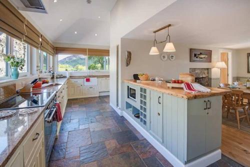 A kitchen or kitchenette at Craigeanie Farmhouse