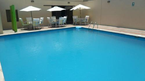 The swimming pool at or close to Hotel Presidente