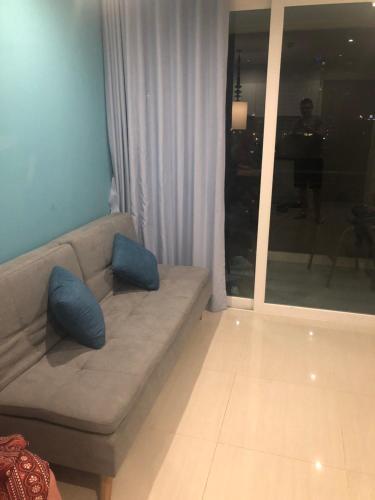 A seating area at Atlantis Condo Resort Natali