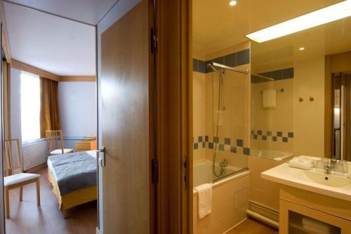 Salle de bains dans l'établissement Inter-Résidences Paris XV