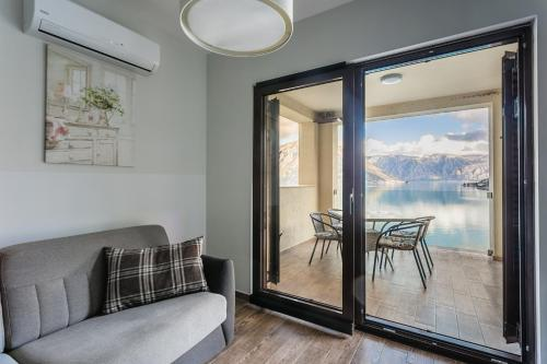 A seating area at Sunshine of Montenegro Apartments