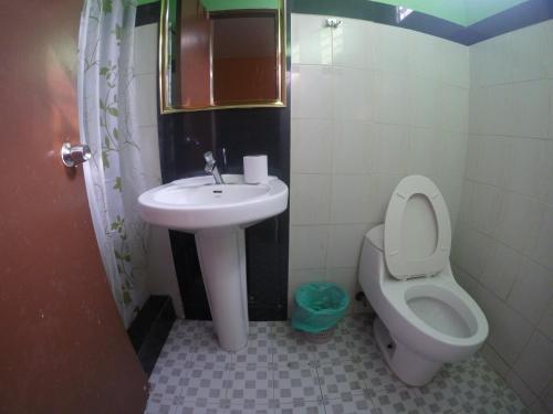 A bathroom at Hotel Villa del Mar