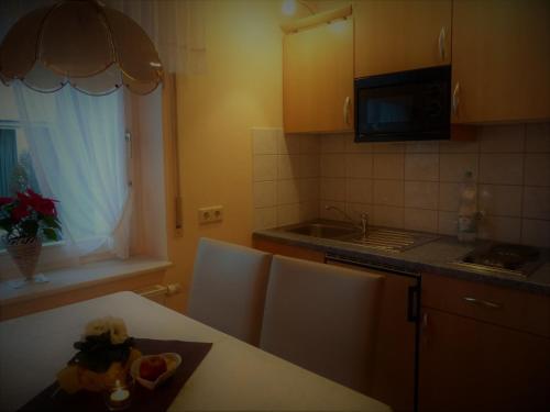 Küche/Küchenzeile in der Unterkunft Ferienwohnung Bappert
