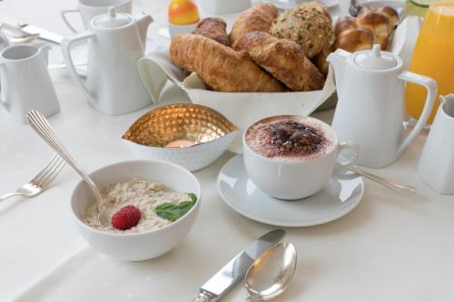 Frühstücksoptionen für Gäste der Unterkunft Hotel Metropol