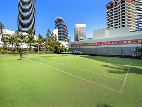 Tennis and/or squash facilities at South Pacific Dream, Central Broadbeach or nearby