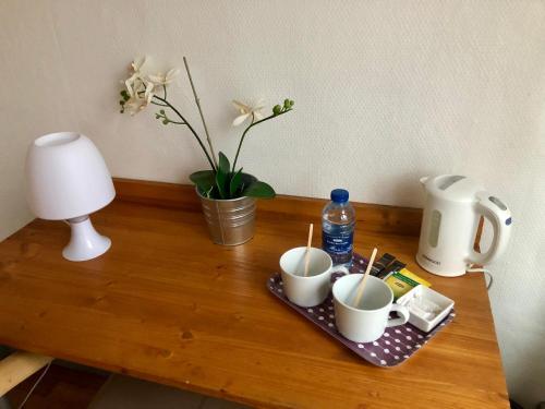 Coffee and tea-making facilities at Les Boucles de Meuse