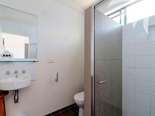 A bathroom at Aqua Apartment #3