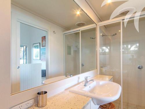 A bathroom at Chookshed