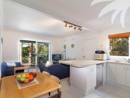 A kitchen or kitchenette at Picture perfect Lizzie Palms 2