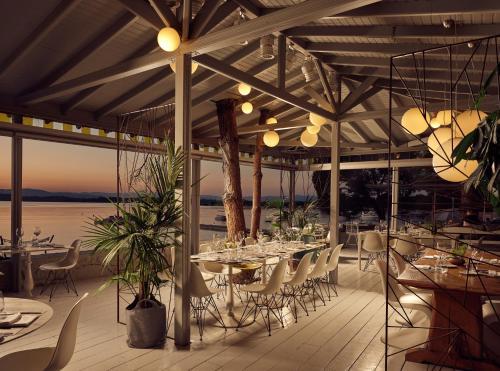 Ресторан / где поесть в Ekies All Senses Resort