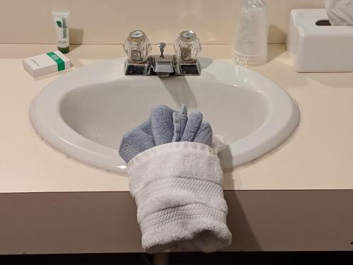 A bathroom at The BarnwooD Inn