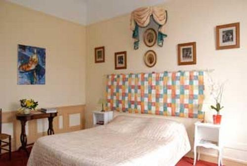 Un ou plusieurs lits dans un hébergement de l'établissement La Rousselière