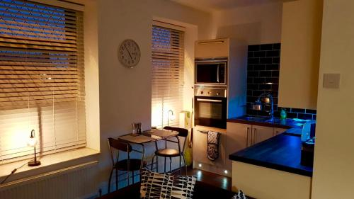 A kitchen or kitchenette at 'Park House'