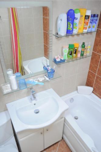 Um banheiro em Baku Seafront Apartment