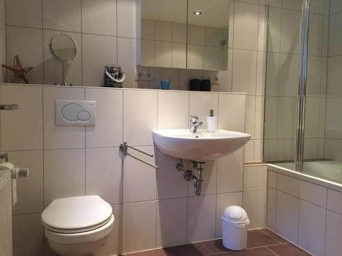 Ein Badezimmer in der Unterkunft Villa Kerzenheimer Tor