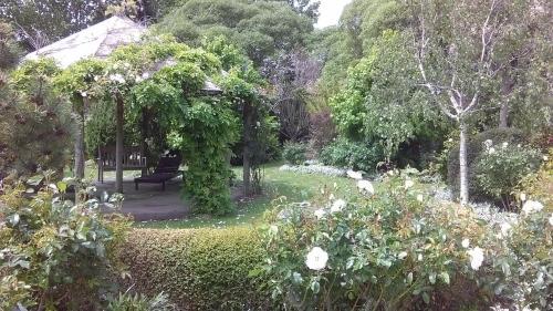 A garden outside Shurinji