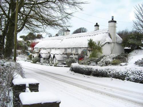 The Hoops Inn & Country Hotel during the winter