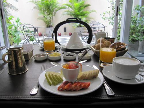 Breakfast options available to guests at Magnolia Hotel Boutique