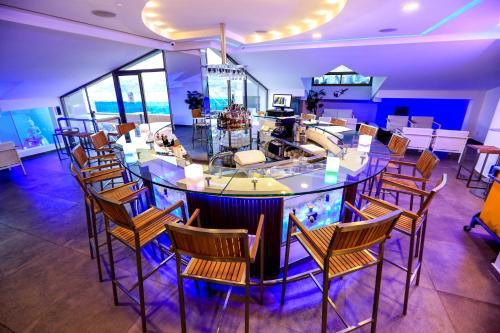 مطعم أو مكان آخر لتناول الطعام في فندق برنسيسا