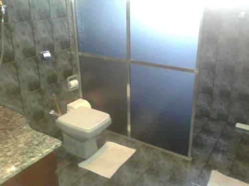 A bathroom at Casa para Carnaval