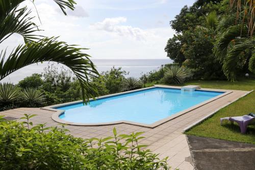 Piscine de l'établissement Residence Tahiri Appartement vue mer ou située à proximité
