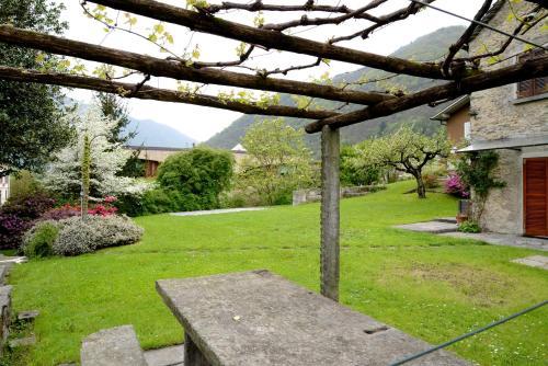 Ein Garten an der Unterkunft Bed and Breakfast da Käthy Agriturismo