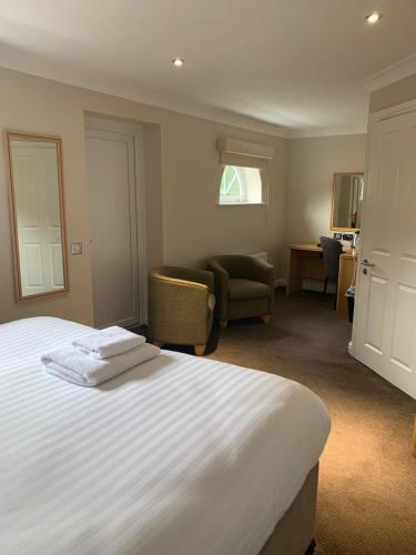 A bed or beds in a room at Highfield Park