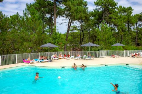 Guests staying at Les Oyats Sylvadoures