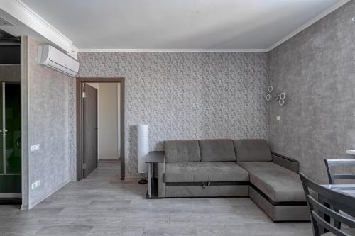 A seating area at Ваша Зона Комфорта у ТРЦ Красный Кит #0138