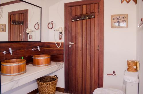 A bathroom at Hotel Porto do Zimbo