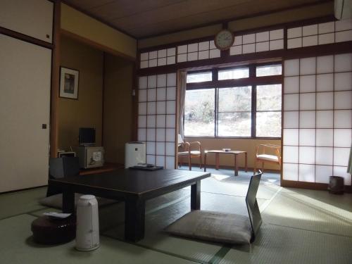 A seating area at Nikko Tokanso