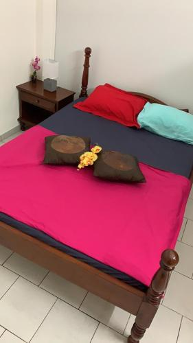 A bed or beds in a room at La Vallee
