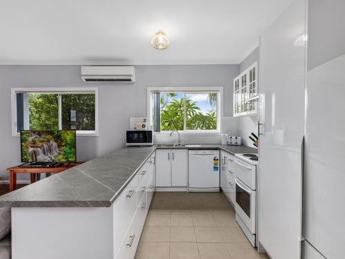 A kitchen or kitchenette at Eloora Beach House