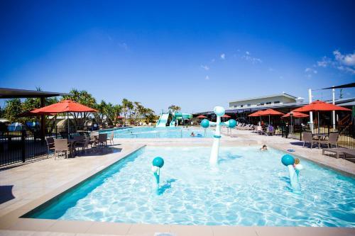 The swimming pool at or near Ingenia Holidays Rivershore