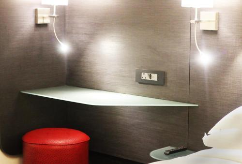 Ein Badezimmer in der Unterkunft Signature Lux Hotel by ONOMO, Waterfront
