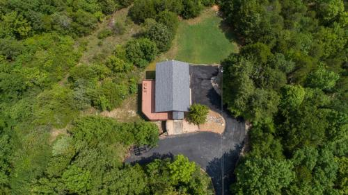 A bird's-eye view of Turtle Ridge Home