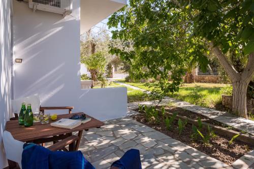 Εστιατόριο ή άλλο μέρος για φαγητό στο Ageri Studios