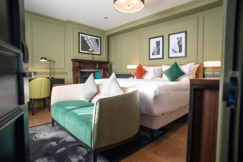 A bed or beds in a room at Counting House