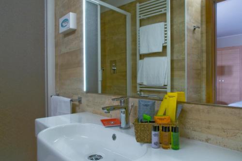 A bathroom at Hotel Italia