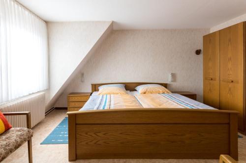 Ein Bett oder Betten in einem Zimmer der Unterkunft Gasthaus Dernedde