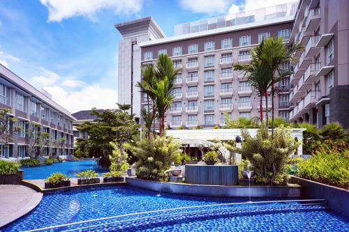 The swimming pool at or near Grand Mercure Bandung Setiabudi