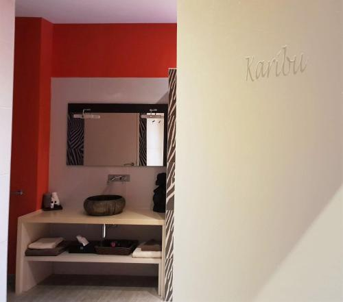 A kitchen or kitchenette at Zen Your Life