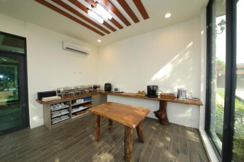 A kitchen or kitchenette at Kenting Four Season Villa