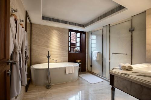 A bathroom at Capella Shanghai, Jian Ye Li