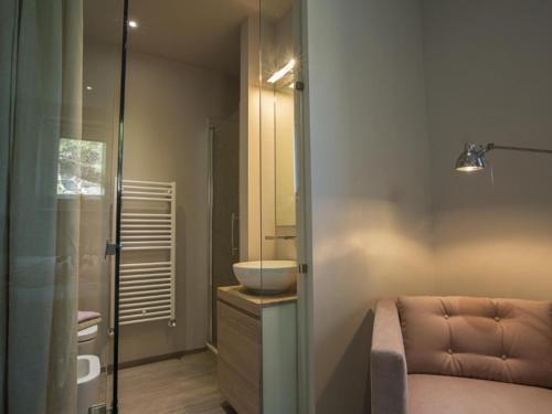 A bathroom at Cortona Villa Sleeps 12 Pool Air Con WiFi
