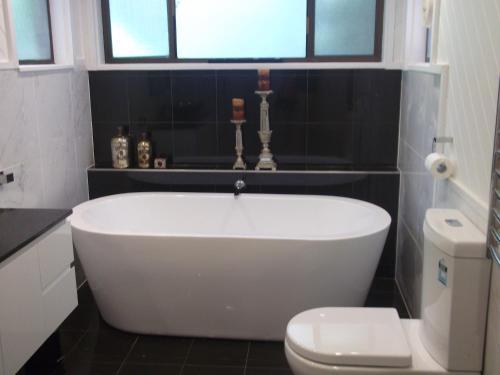 A bathroom at Magnolia Corner