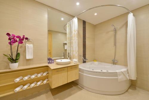 حمام في سمرست الفاتح البحرين