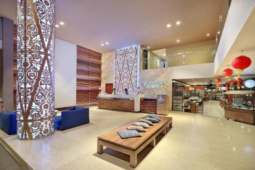 The lobby or reception area at Harper Kuta Hotel by ASTON